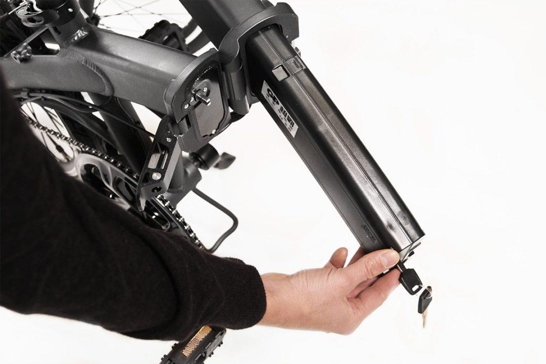 eflizzer klappbares E-Bike Sprint - Akku Wechsel Schritt 2